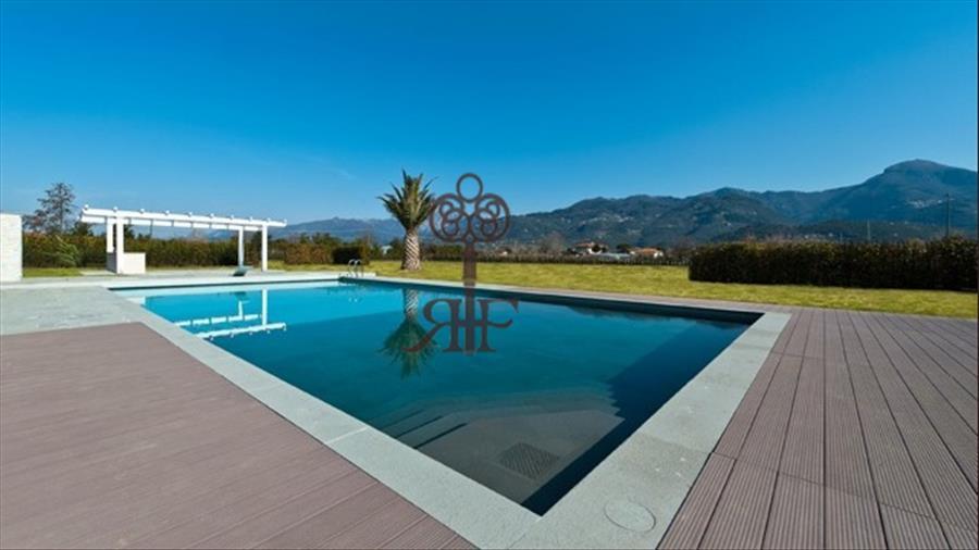 Vendita o Affitto Villa con piscina P247 Pietrasanta