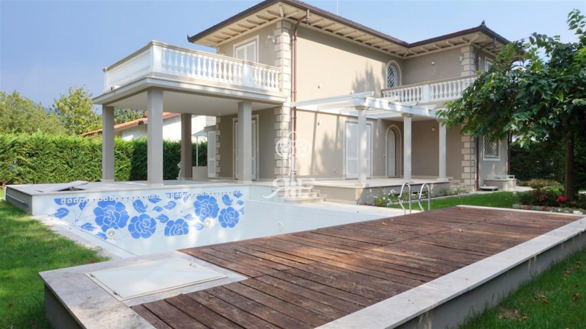 Agenzia immobilare forte dei marmi affitto vendita - Vendita villa con piscina genova ...