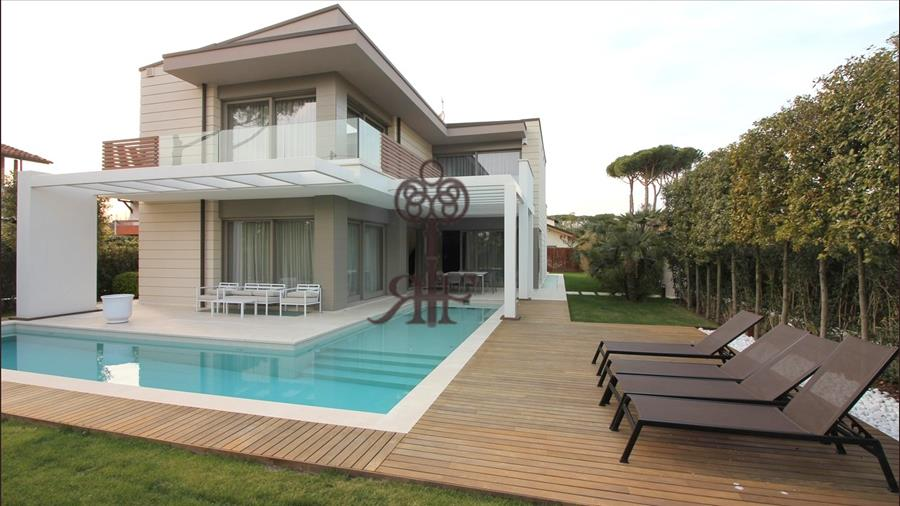 FOR SALE - FOR RENT Villa with pool  Forte dei Marmi